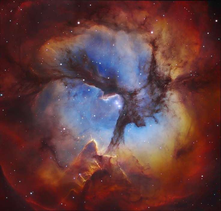 ♥ In the Center of the Trifid Nebula (2013 Jan 28)   Image Credit: Subaru Telescope (NAOJ), Hubble Space   Telescope, Martin Pugh; Processing: Robert Gendler