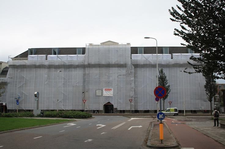 Appartementencomplex te Duinoord Den Haag tijdens schilderwerkzaamheden van Sibbing Schilderwerken.