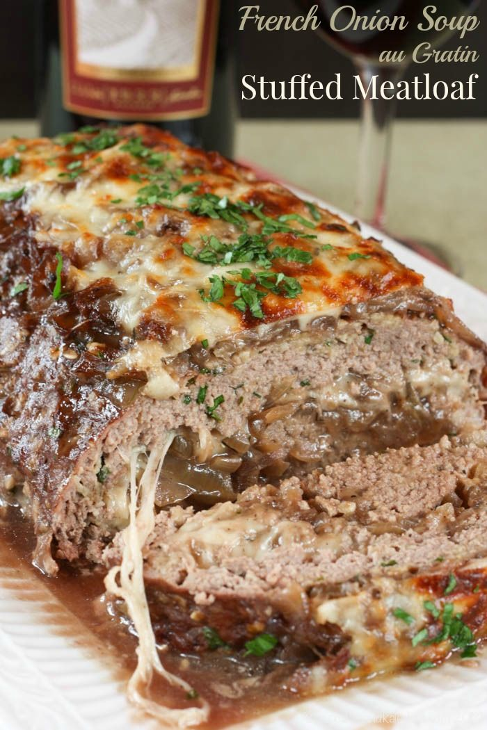 French Onion Soup au Gratin Stuffed Meatloaf - caramelized onions and cheese turn this traditional recipe into the ultimate comfort food | cupcakesandkalechips.com | gluten free: