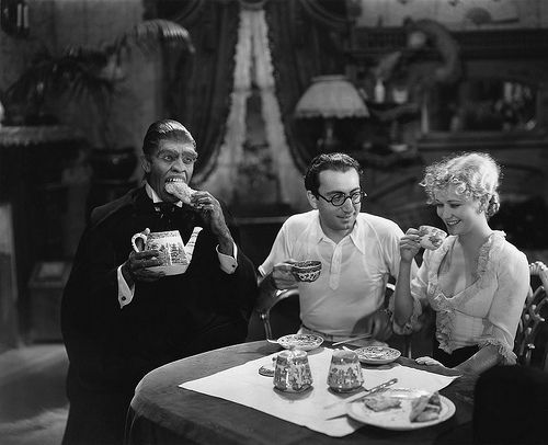 "Tea for three on the set of ""Dr. Jekyll and Mr. Hyde."": Miriam Hopkins, Hyde 1931, Fredric Marching, Teas Time, Dr. Jekyll, Director Rouben, Rouben Mamoulian, Freder Marching, Famous Teas"