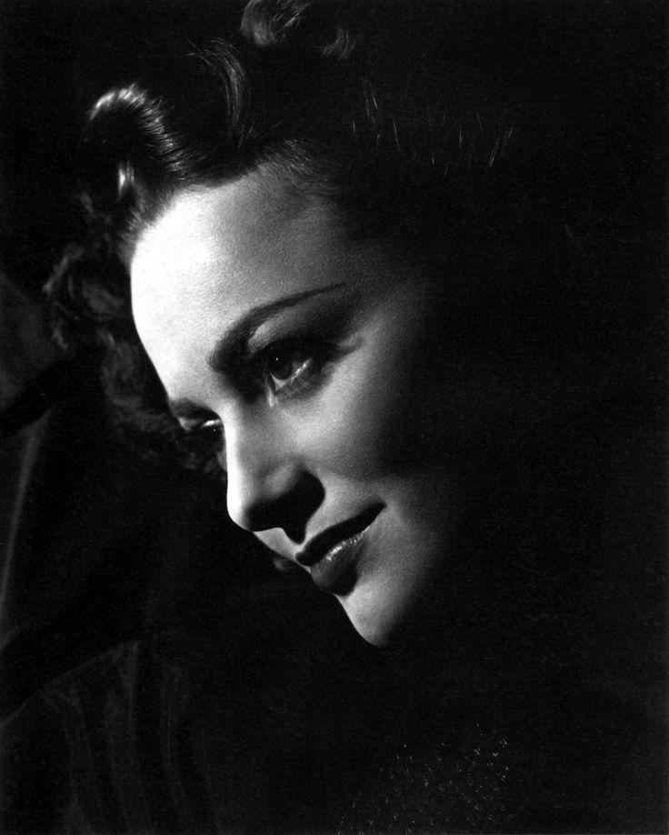 Olivia de Havilland - TO EACH HIS OWN