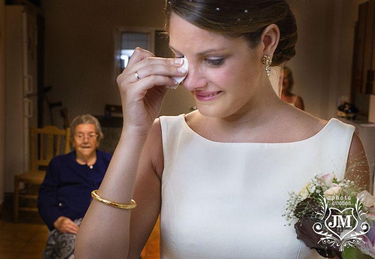 recuerda los momentos emotivos en tu boda, de emociones vivimos y por ellas nos movemos.