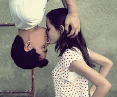 SPIDERMAN KISS PICTURE IDEA!!!!! uhmmm, of course i will do this with my future husband:).