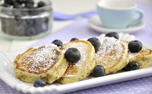 Sonntagsfrühstück: Buttermilch-Heidelbeer-Pancakes