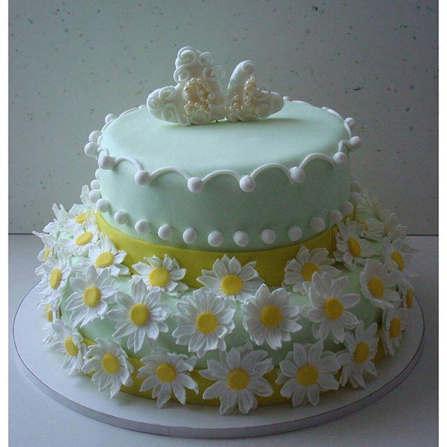 """Торт """"Свадебный с ромашками"""" #торт_на_заказ_киев #ярусные #бисквитный_торт"""