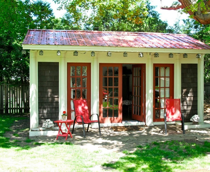 Garden cottage - Kelli, I am envious and will be right over!