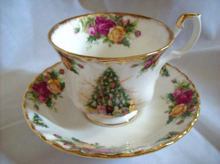 Royal Albert Country Roses Christmas Magic Cup Saucer 1990