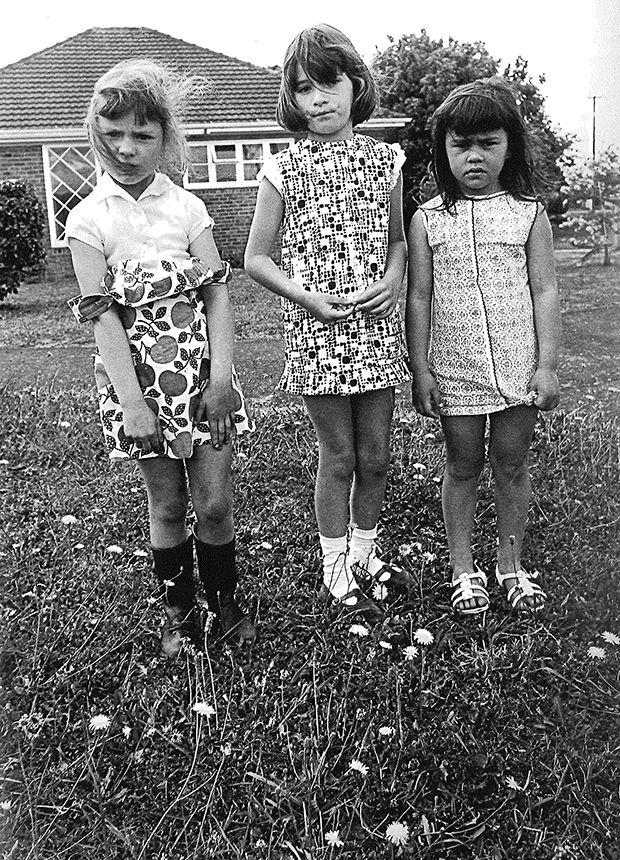 Marti Friedlander: Girls in Mt Eden, 1969