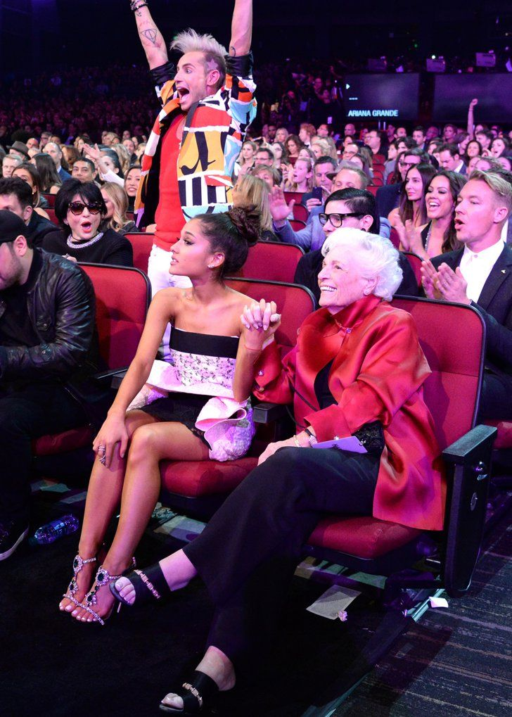 Pin for Later: Ariana Grande's Grandmother Totally Stole the Show at the AMAs
