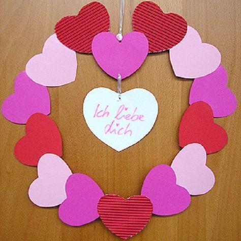 Last Minute Muttertagsgeschenk DIY: Kranz Aus Papierherzen Schnell Selber  Basteln. Valentinstag KinderVerschenken ...