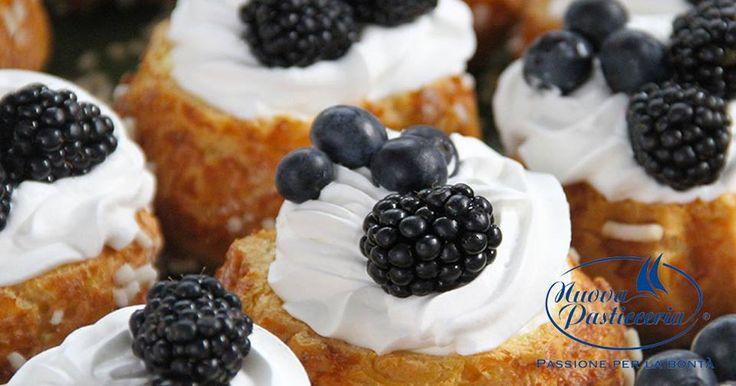 La colazione in pasticceria è sempre un piacere, ma nel weekend è davvero sublime! Lasciatevi indurre in tentazione, venite a trovarci nei nostri punti vendita.
