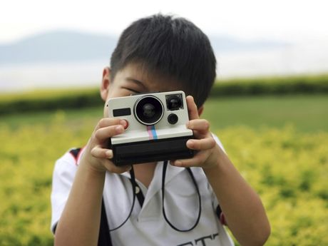 By engaging ELLs with creating, identifying, and narrating through photographs, you can help them learn language by challenging their thinking in other media.