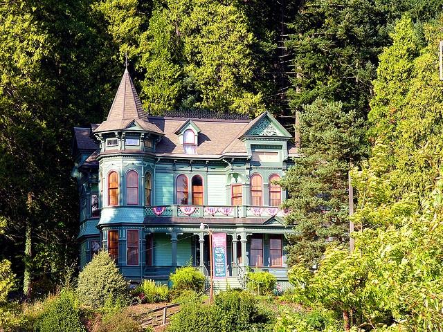 Shelton-McMurphey -Johnson House  Eugene, Oregon: Oregon Vacations, Dreams Houses, Eugene Oregon, Houses Victorian, Princesses Castles, Places, Sheltonmcmurpheyjohnson Houses, Victorian Houses, Portland Oregon