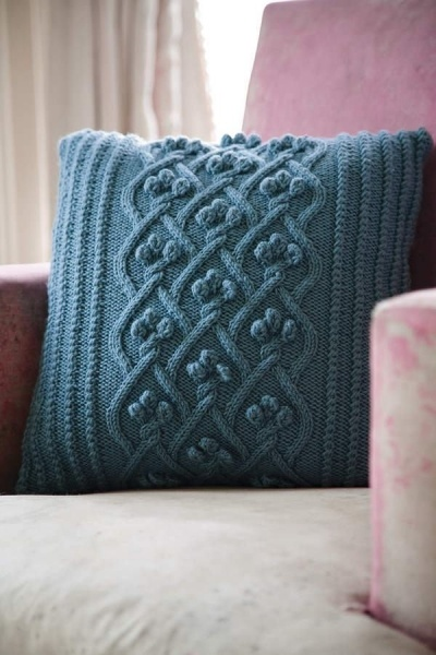 159 best images about Knitting : Pillows on Pinterest Free pattern, Knitted pillows and Cable