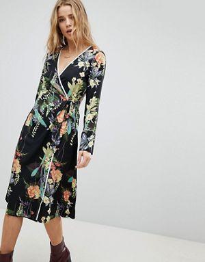 e83315ba51d6 Boohoo Floral Tie Side Midi Dress | Florals | Dresses, Fashion ...