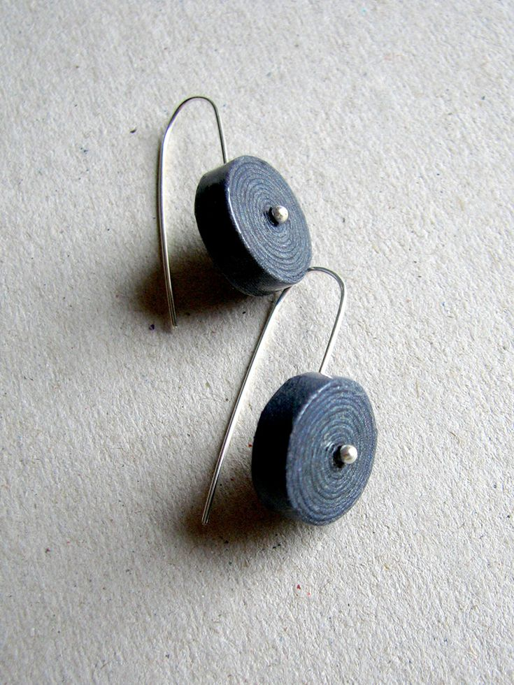 recycled newspaper earrings | @blureco
