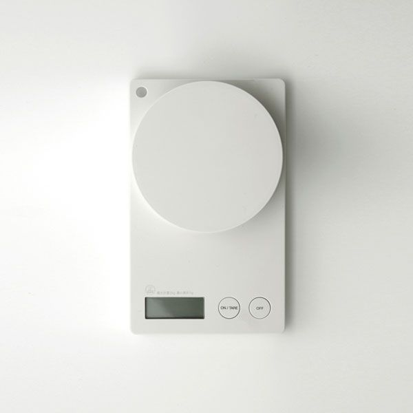 minimalistic white Cooking Scale – useful kitchen item | kitchen tools & Kitchenware . Küchenutensilien  . outils de cuisine | Design: Yohei Kuwano for MUJI |