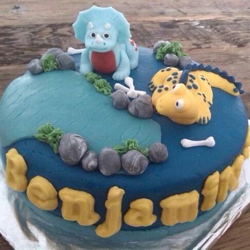 Dinosaurus taart van marsepein en fondant