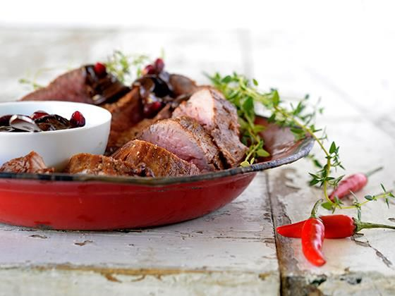 Vrouekeur | Celeb food: Adam Barnard - Ostrich fillet with chocolate chilli sauce