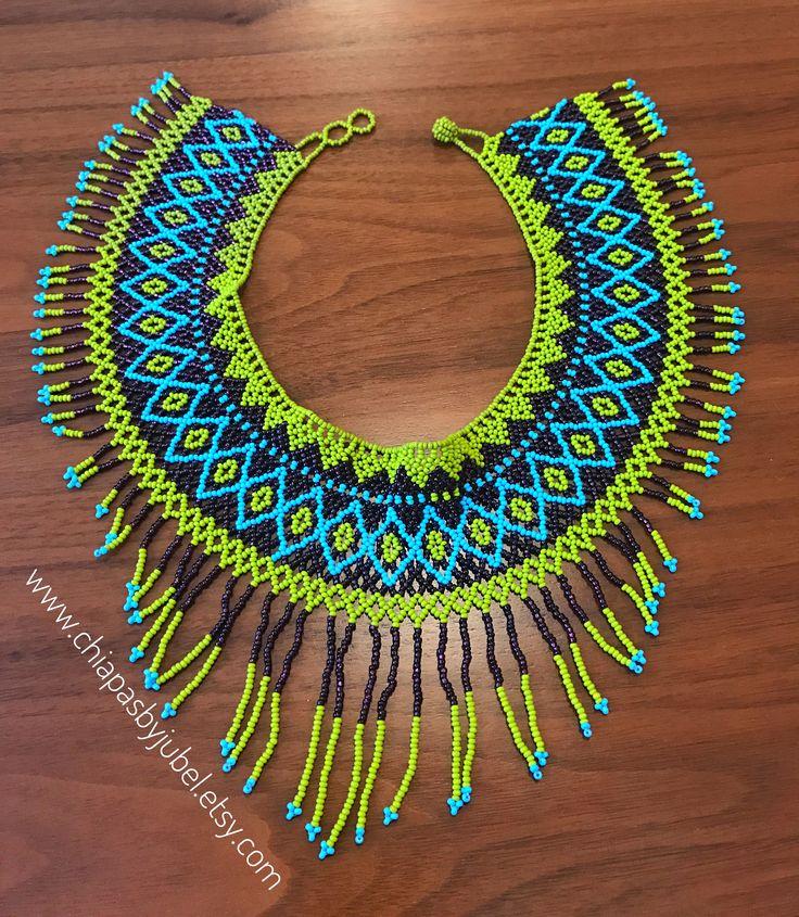 Un favorito personal de mi tienda de Etsy https://www.etsy.com/mx/listing/525424337/mexican-beaded-necklace-huichol-style