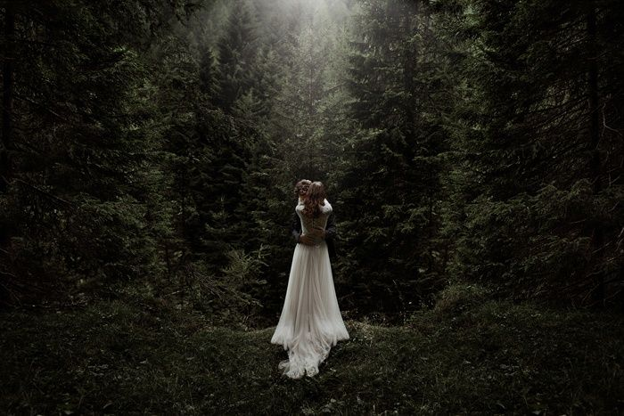 Mysterious and romantic vibes from this forest loving couple   Image by Nico & Vinx Ferrara of The Ferros