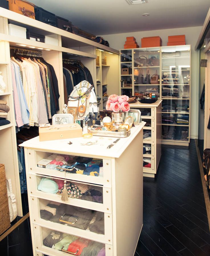 The things I would do for this closet...