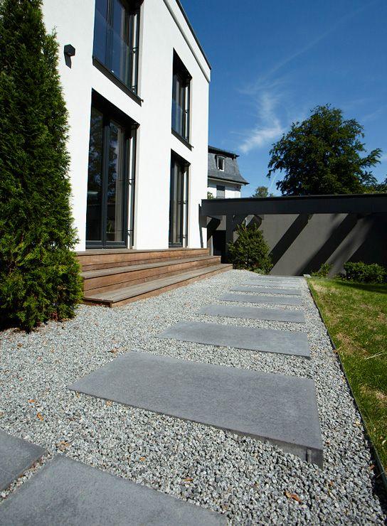 Moderne einfahrten einfamilienhaus  Die besten 25+ Pflasterbau Ideen auf Pinterest | Beton Auffahrt ...