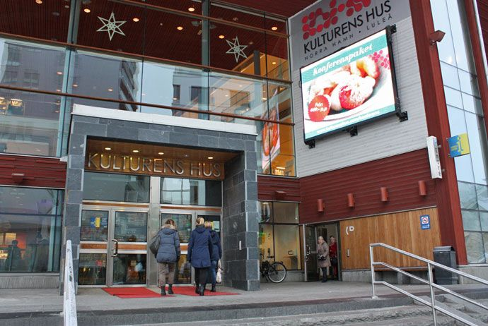 Down by the harbour and just a short walk from Luleå's main shopping area, Kulturens Hus is a beacon of fun and entertainment for the city's residents.