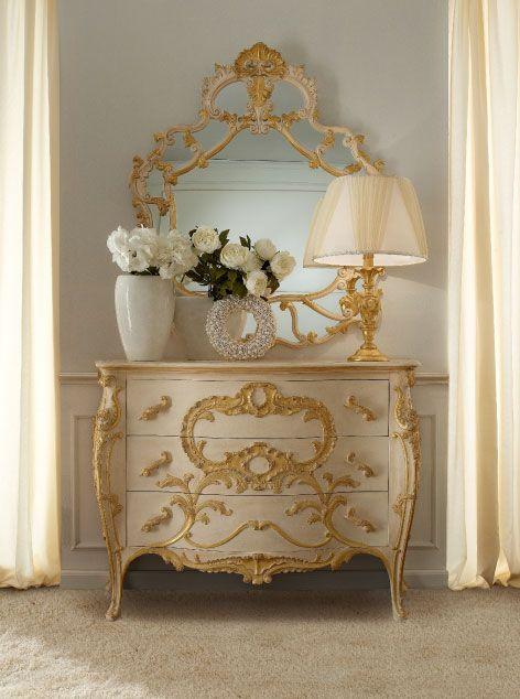 Luxury Classic Italian Homemade Bedroom Furniture Sets.