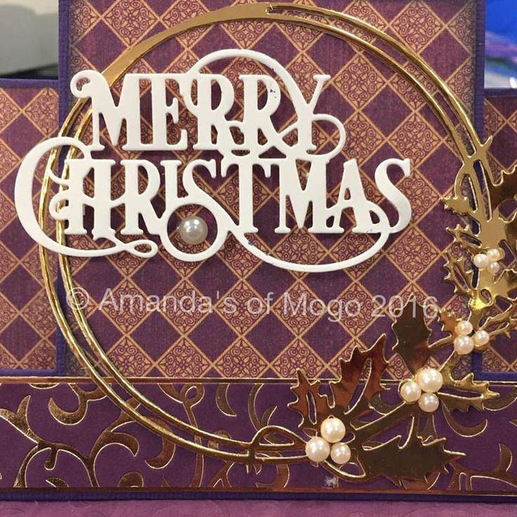 Merry Christmas card with diecutting word and wreath #amandasofmogo #mogo #handmade #cardmaking #diecut #artdecocreations #kaisercraft #christmascard