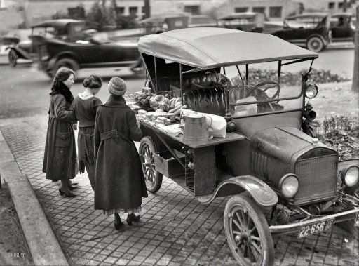 "Washington, D.C., in 1919. ""Street lunch vendor."" A Model T sandwich-vending machine."