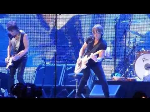 Rolling Stonesand Keith Urban 'Respectable', Staples Center 5-3-13 | http://pintubest.com