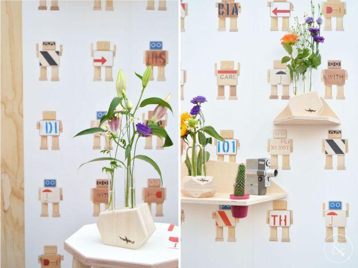 Losse bloemen - Reageerbuisvaasjes van Studio Hamerhaai - gemaakt van afval - showUP 2017 - herbruik - upcycle - recycle- reuse - robotbehang - rijkswachters.