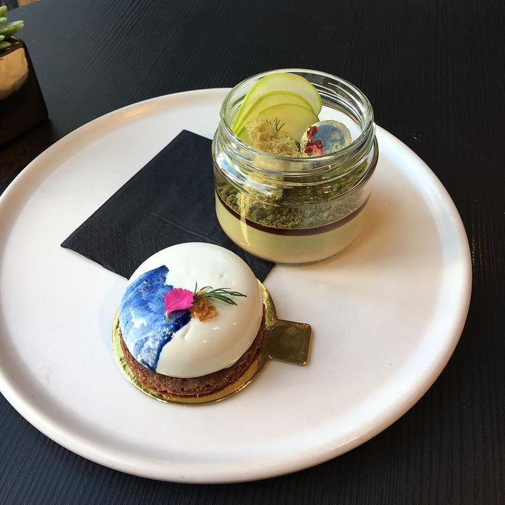 Birthday treat @koidb - Koi dessert bar