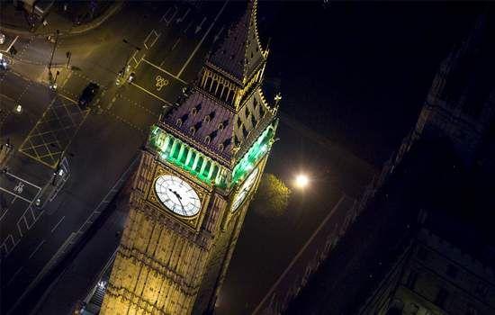 Paket Tour Ke London Inggris akan membawa anda ke salah satu kota besar di dunia bersama New York, Paris, dan Tokyo. London juga sangat berkembang dalam berbagai bidang seperti finansial, komunikasi, dan seni. London juga memiliki berbagai kastil, museum, teater, gedung konser, galeri, bandara, stadion olah raga, dan istana.