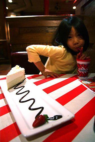 Favorite Copycat Recipes: TGI Fridays Copycat Vanilla Bean Cheesecake