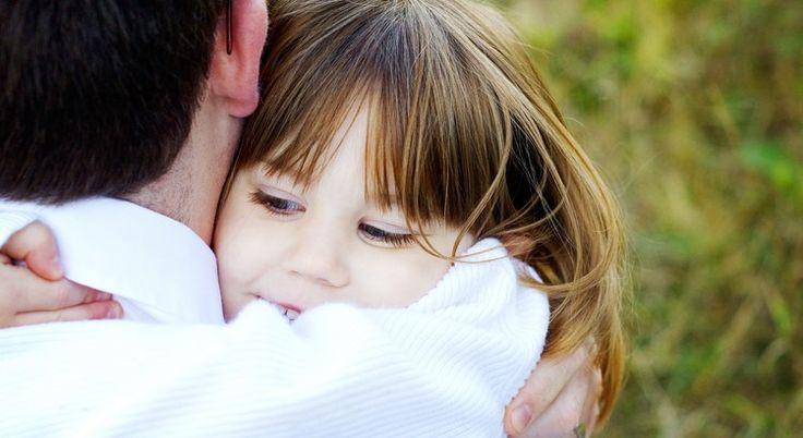 """Wir sagen immer """"Es wird alles gut"""". Dabei ist schon alles gut, wenn du Menschen hast, die das zur dir sagen. Wenn du einen Rückschlag erleidest, nehmen sie dich in den Arm. Wenn du Freude (er)lebst, nehmen sie dich in den Arm."""