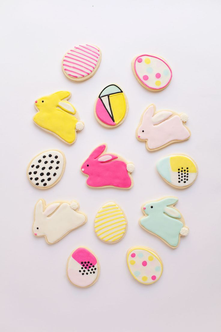 It's time for some Easter cookies woo hoo!! I finally bought an egg cookie cutter this year and was…