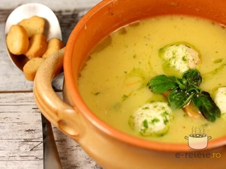 Supa de rosii cu mozzarella