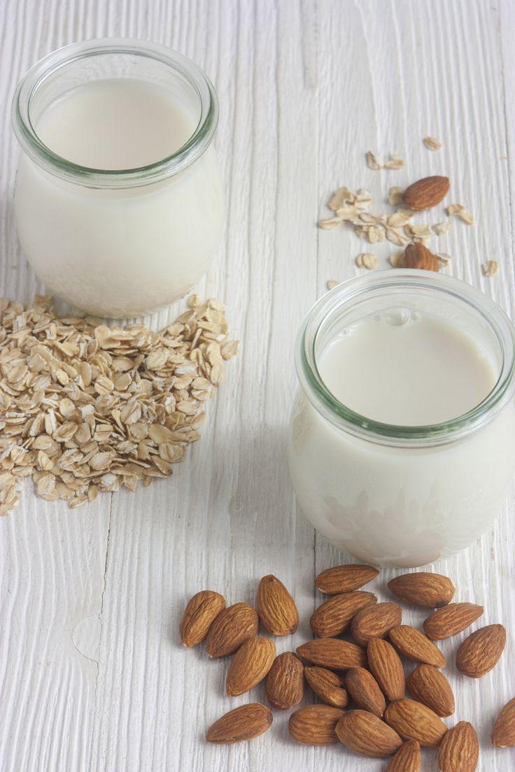овсяное и миндальное молоко