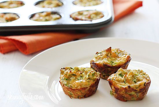 Zucchini Tots - Make them in mini muffin tins for the perfect little side for breakfast or dinner! #vegetarian