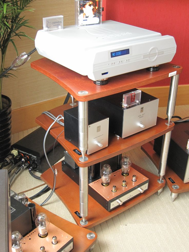 BASSOCONTINUO Reference Line model ACCORDEON Cherry with Audio Note and Orpheus Lab #bassocontinuo #racks #highend #hifi #hifidelity #madeinitaly #design #amplifiers #audionote #guangzhou