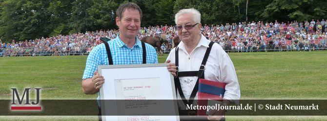 (NM) Ehrenbürger: Höchste Auszeichnung der Stadt für Herbert Fischer und Arnold Graf - http://metropoljournal.de/metropol_nachrichten/landkreis-neumarkt_oberpfalz/neumarkt-ehrenbuerger-hoechste-auszeichnung-der-stadt-fuer-herbert-fischer-und-arnold-graf/