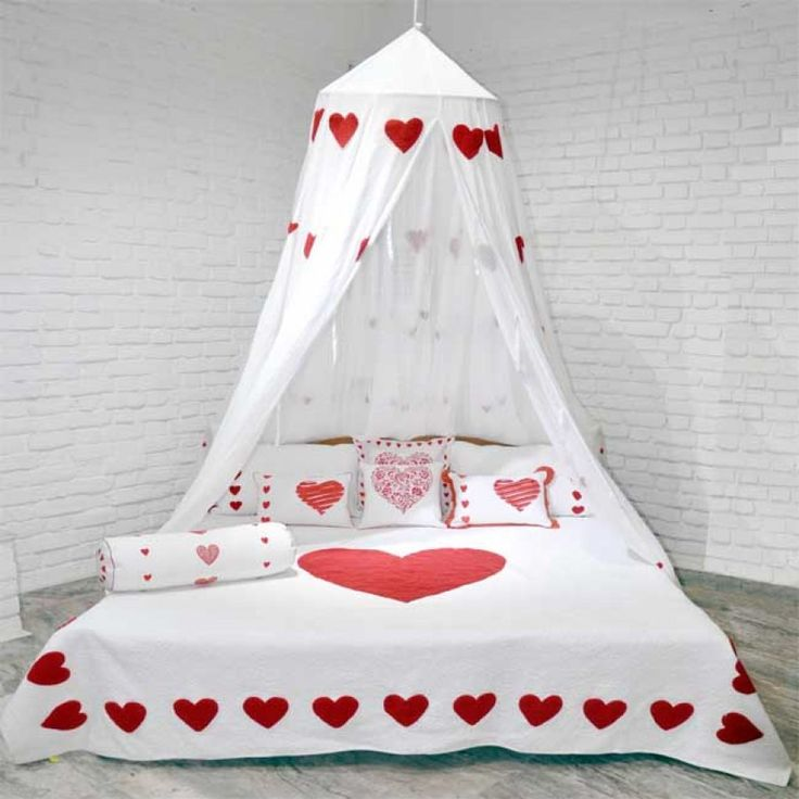 Bed Canopy - Valentine Special