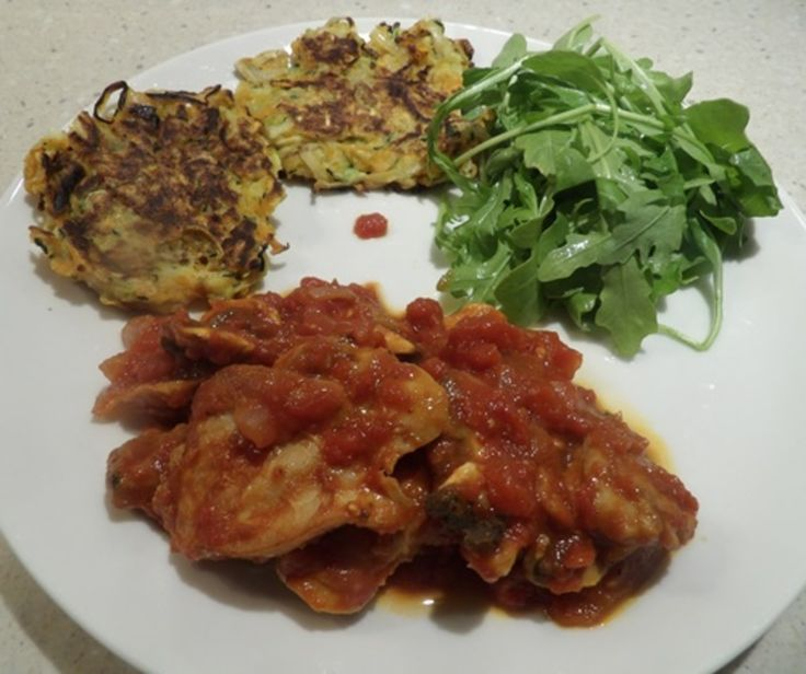 CHICKEN IN TOMATOES WITH THREE COLOURED LATKES http://recipeyum.com.au/chicken-in-tomatoes-with-three-coloured-latkes/