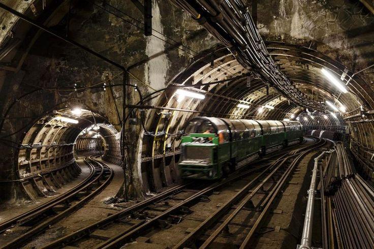 Фото - подорожі по світу: Подземная почтовая железная дорога Лондона