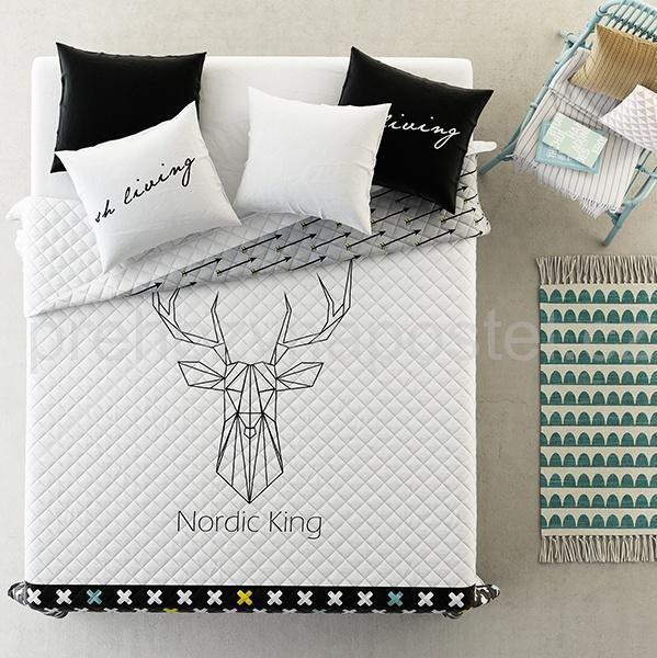 Bílo černé přikrývky na postel s jelenem