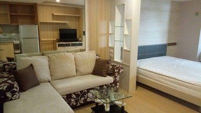 THE TRENDY Condo Sukhumvit 13 Near BTS Nana Studio Room for Rent