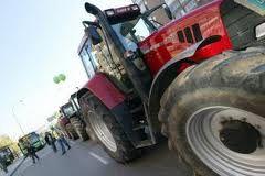 ITV para vehículos agrícolas. O Concello informa que a Unidade Mobil 3 de Inspección Técnica de vehículos agrícolas estará en Negreira do 25 de xuño ó 1 de xullo, para tractores de mais maquinaría agrícola, en horario de 09.00 a 13.00 horas, e de 15.15 a 18.00