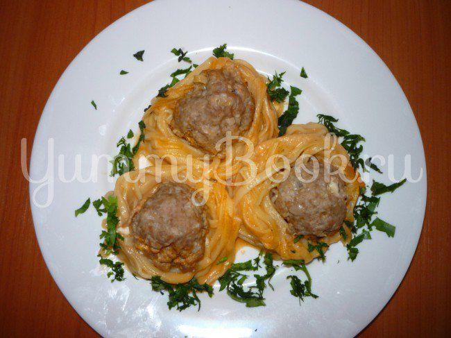 Макароны Гнезда с фаршем из мультиварки - пошаговый рецепт с фото